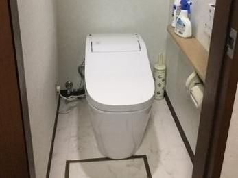 広く明るいトイレになって大満足です。