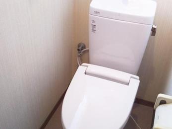 ピカピカのトイレでお手入れもラクラク!