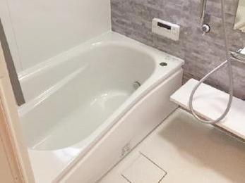 快適な浴室と脱衣所になりました。