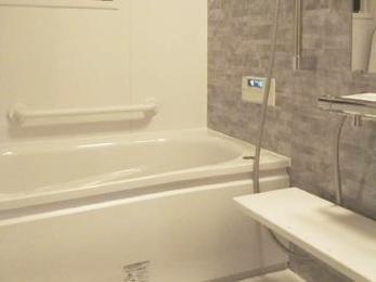 狭く寒かったお風呂が、広く快適なバスルームになりました♪