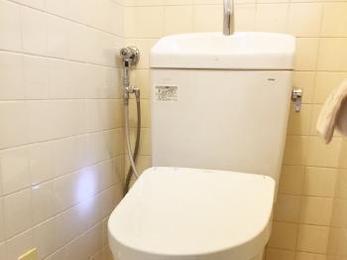 最新のトイレと洗面台にリフォーム!